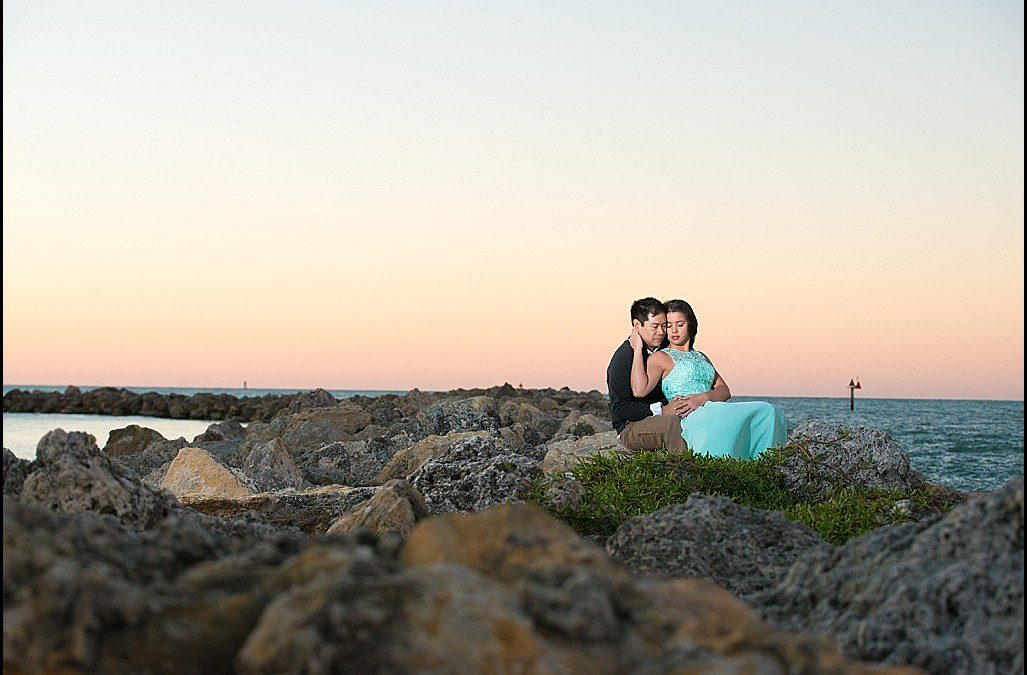 Beachfront at Sunset Engagement Session | Sand Key Beach, Clearwater