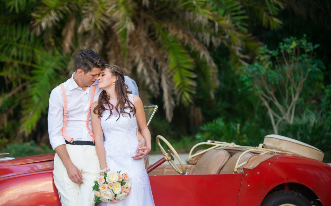 'Old Florida' Whimsical Vintage Wedding | Powel Crosley Estate, Sarasota