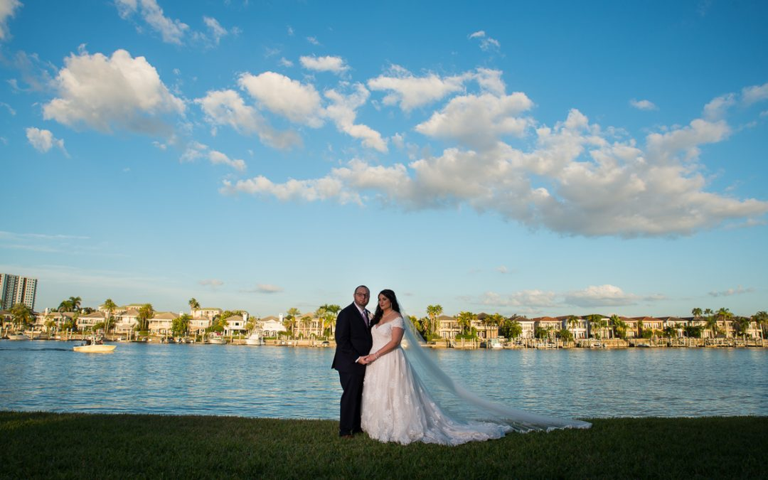 Tampa Waterfront Romantic Wedding | Davis Island Garden Club